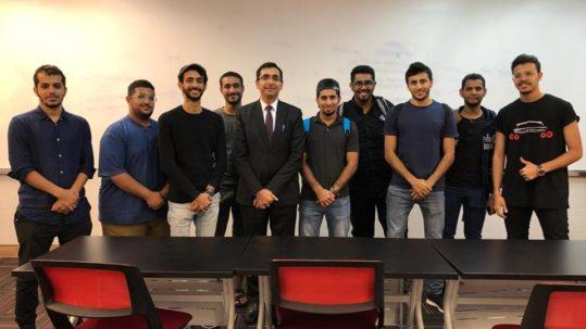 الملحق الثقافي يزور جامعة سوينبرن ويلتقي بالطلاب العمانيين