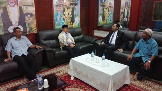 الملحق الثقافي يقوم بزيارة خاصة لجمعية خريجي جامعات الشرق الأوسط المسلمين