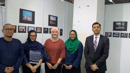 الملحق الثقافي يقوم بزيارة خاصة لمعرض التصوير الفوتوغرافي بكوالالمبور 2019