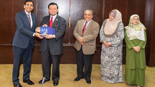 زيارة إلى جامعة صباح الماليزية